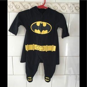 Baby Boy Batman Romper Detachable Cape  0-3 months